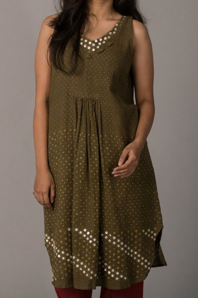 SLEEVELESS POLKA TUNIC